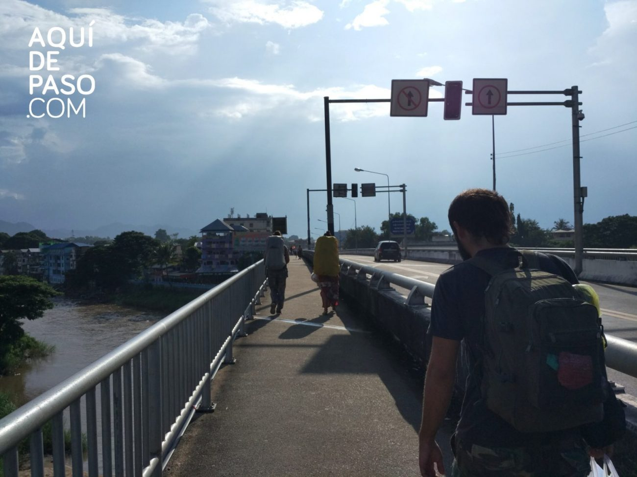 Puente Tailandia - Myanmar- Aquidepaso.com