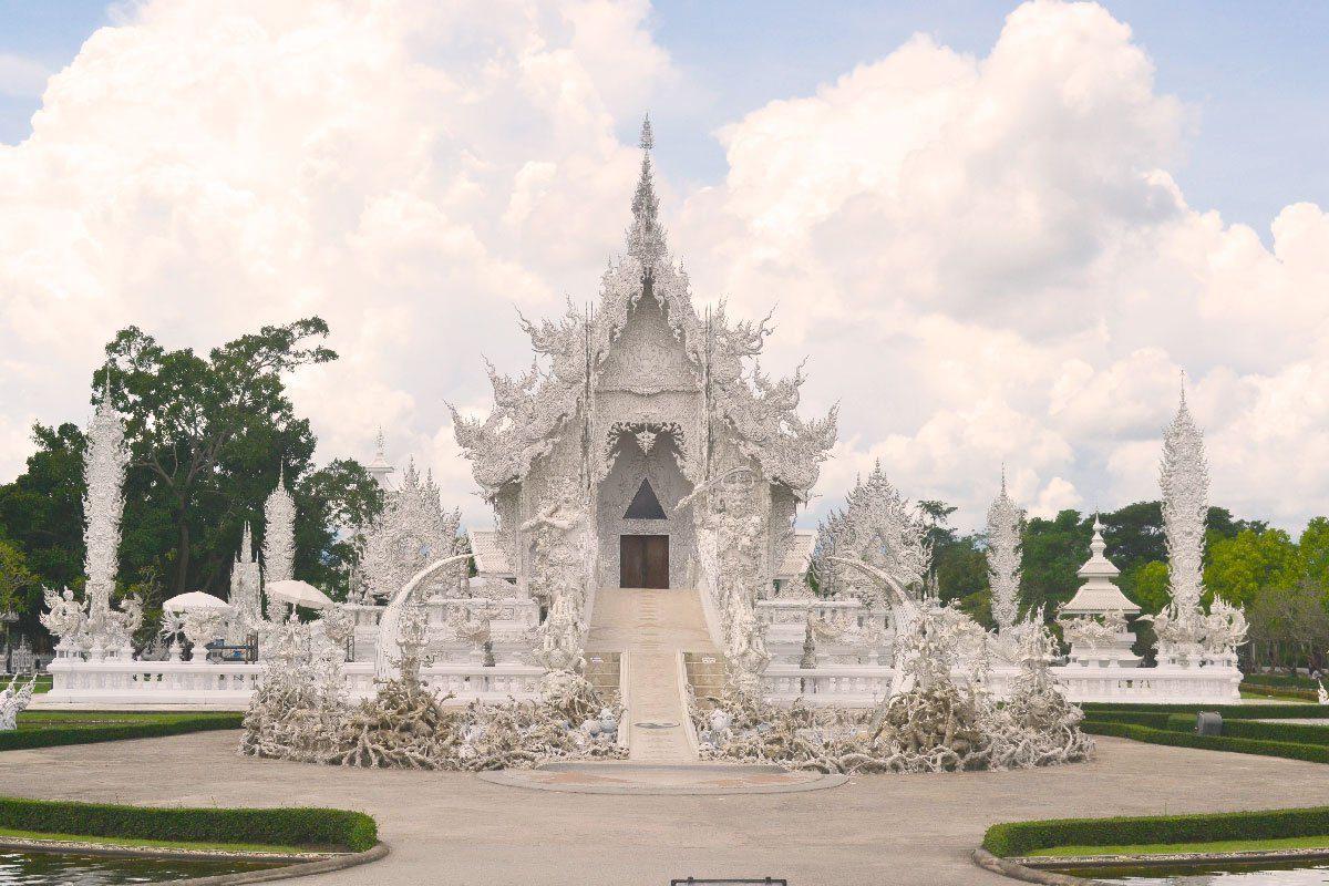 templo-blanco_tailandia_aquidepaso