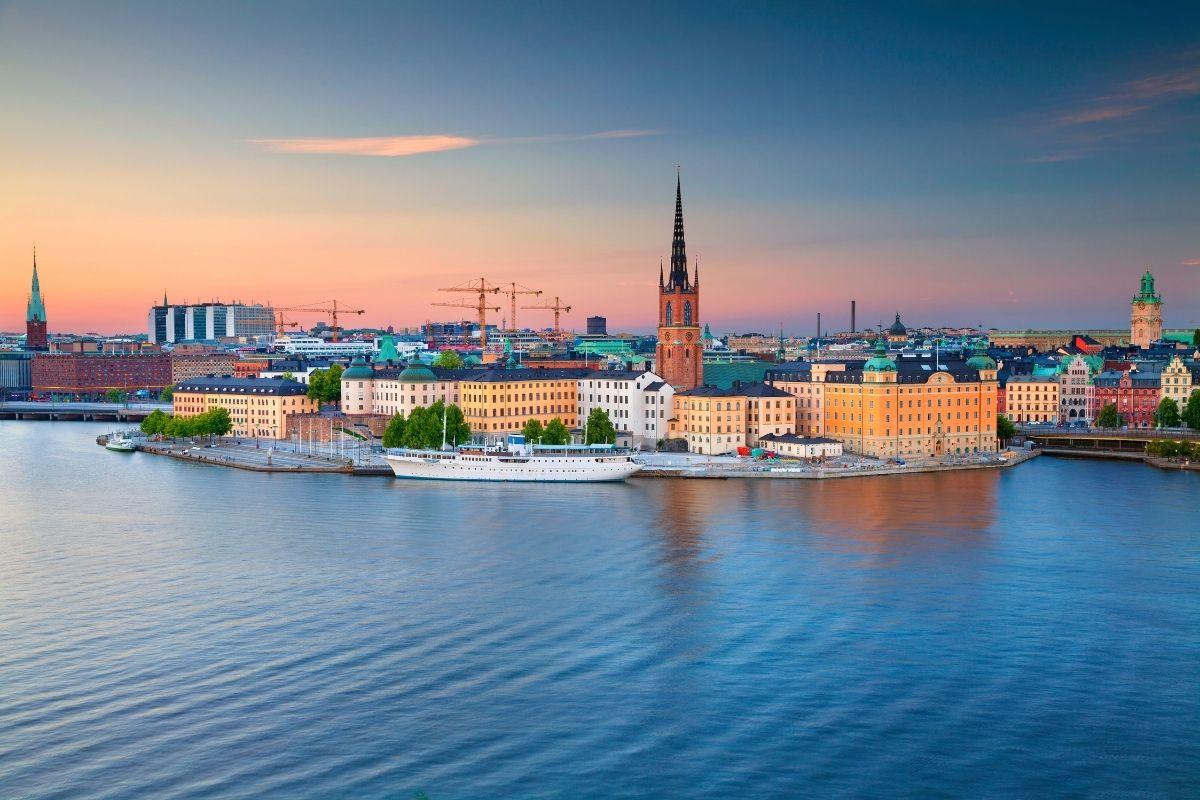 Conseguir trabajo y hospedaje en Suecia